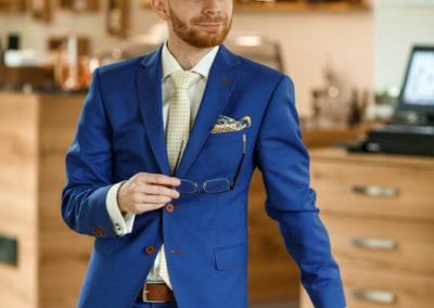 Modré sako na míru s kapesníčekm
