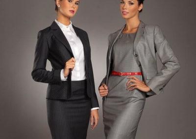 kostýmky černý a šedý